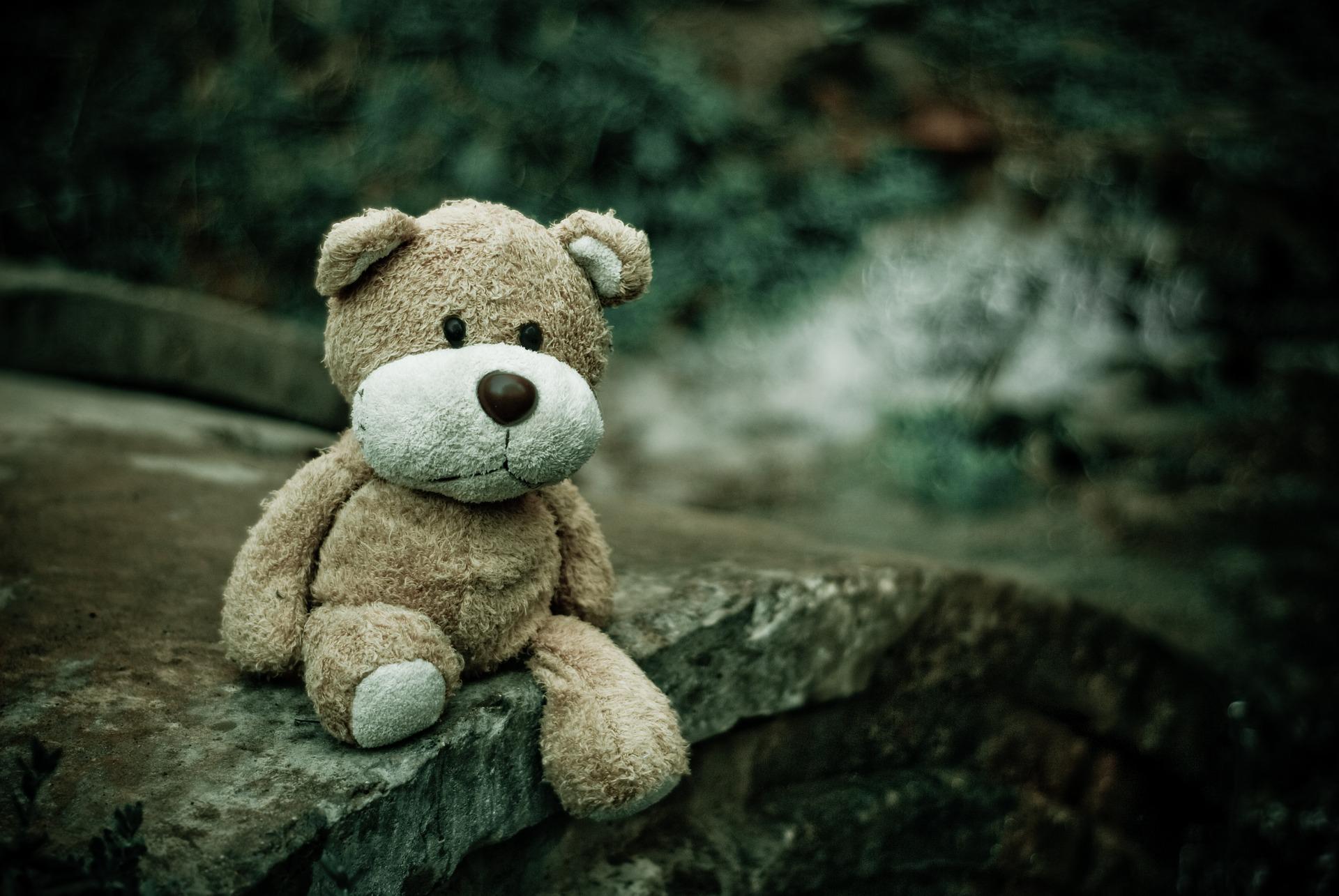 Menores en riesgo: pozos invisibles